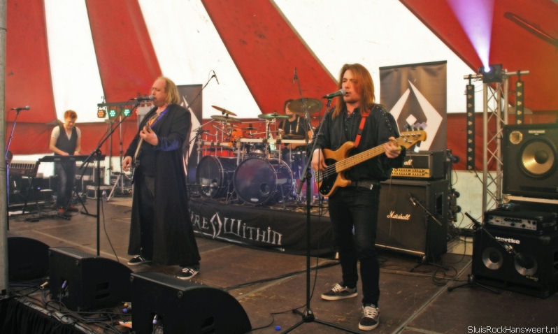 Fire Within from left to right: Arjon Bimmel (Keyboards, Backing Vocals), Dennis van de Bor (Lead Vocals, Guitar), Lars van Mourik (Drums, Backing Vocals), Robbin van de Bor (Bass-guitar, Backing Vocals)
