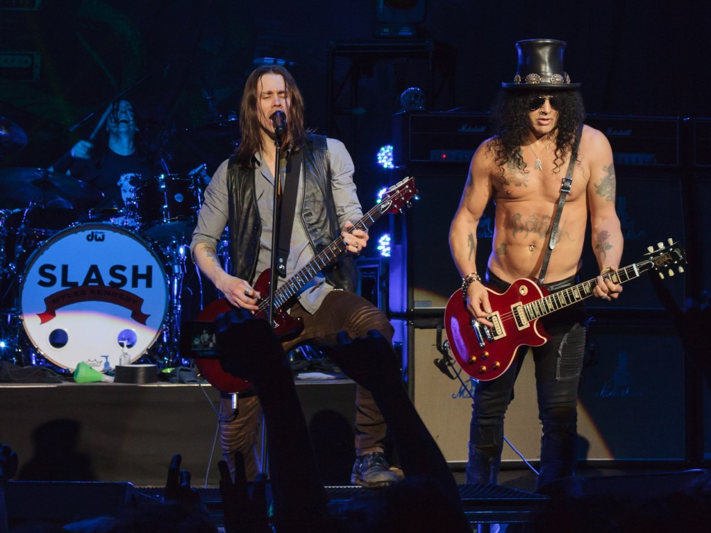 Slash_with_Myles_Kennedy